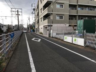 東京都大田区南久が原2丁目新築戸建 B号棟 前面道路です。幅が5.7mと広く、駐車も楽々です。