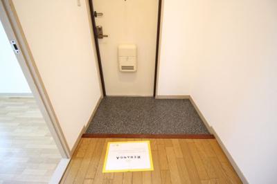 【玄関】ラフォーレ八尾
