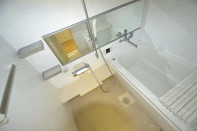 【浴室】フォーシーズンアパートメント