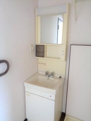室内洗濯機置き場(写真は反転タイプです)