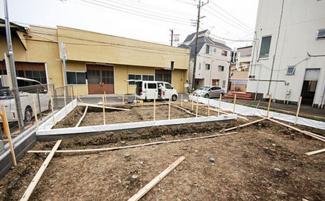 東京都大田区西六郷2丁目新築戸建 1号棟 現地の外観となります。現在建築中につき内覧等は行っておりません。