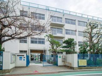 東京都大田区西六郷2丁目新築戸建 1号棟 高畑小学校です。徒歩約6分です。通学も楽ちんです。
