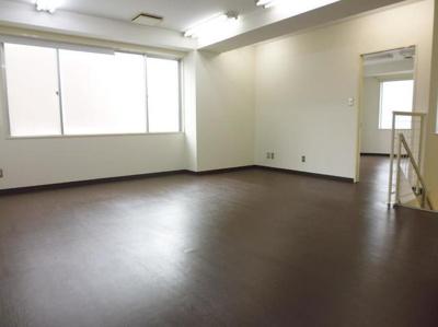 松田ビル 店舗事務所