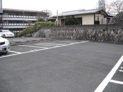 奥西モータープール(元町)