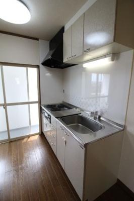 【キッチン】サンビルダー板宿