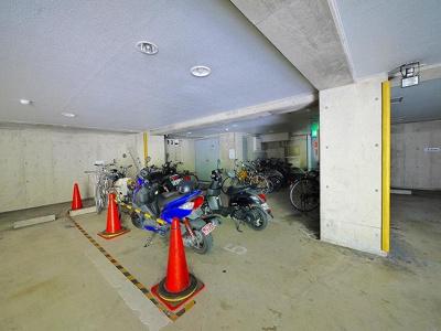 屋内駐輪場です