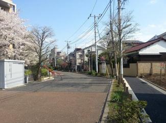 東京都世田谷区北沢5丁目売地 幅は4mです。お車でも悠々と通れます。