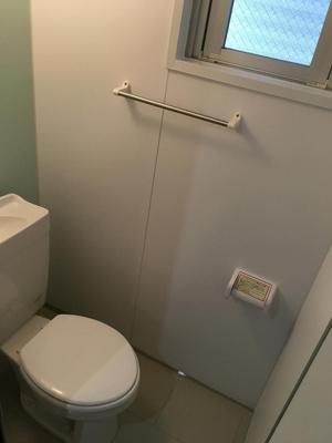 【トイレ】アーバンライフ八重瀬