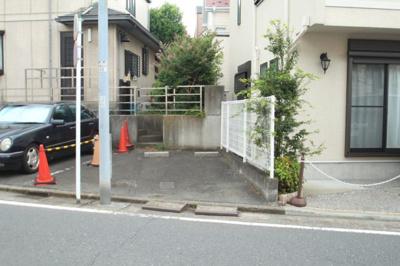 【駐車場】ポングランパーキング