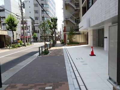 ウィルレーナ東京根岸 建物前