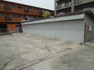 【居間・リビング】旭丘1丁目シャッター付き倉庫