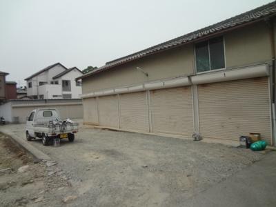 【外観】池田市鉢塚2丁目シャッター付き倉庫