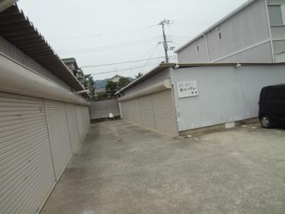 【和室】池田市鉢塚2丁目シャッター付き倉庫