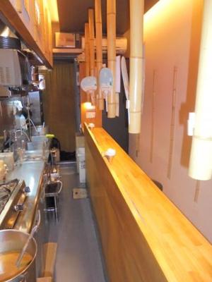 カウンターキッチン付き(店内左手前から撮影)