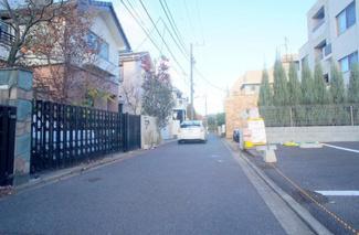 東京都世田谷区玉川台2丁目売地 交通量も少ないので、小さなお子様がいても安心してお使いいただけます。
