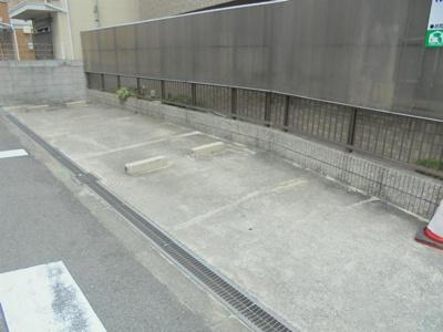 【駐車場】ルポ・サンベルナール
