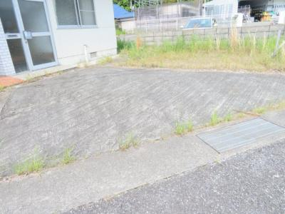 【駐車場】柏原貸事務所付住宅