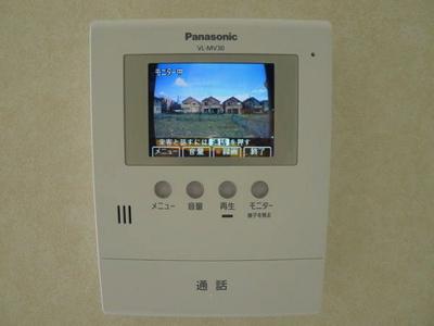 録画機能付きTVドアホンで来訪者をチェックできます