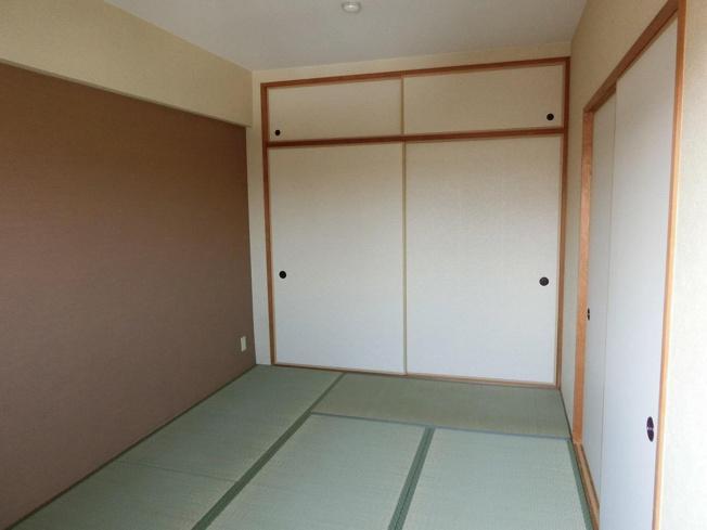 アビタシオン岸田 和室