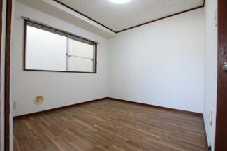 マイキャッスル浅川 洋室4.5帖(和室側から)