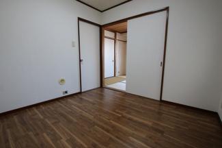 マイキャッスル浅川 洋室4.5帖(壁側から)