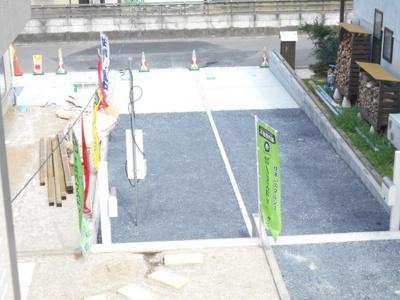 2180から1680価格変更 駐車場2台 車種により3台可能。庭付き。らすと1棟。