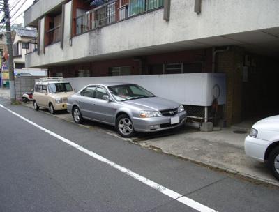 南青マンション駐車場
