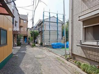東京都大田区大森北6丁目 建築条件付土地 前面道路の幅員は4mです。