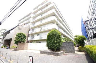 京阪『伏見桃山駅』歩3分 近鉄『桃山御陵前駅』歩4分 JR『桃山駅』歩10分 生活必要な施設が多数!大手筋商店街が徒歩3分以内にありますので、暮らしやすい環境です。