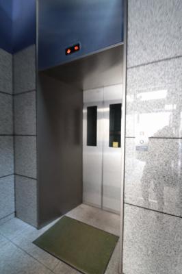 エレベーター パイナリィーハイツ