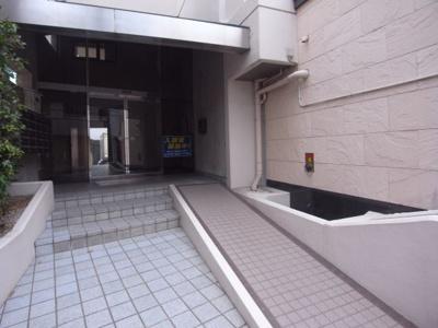 【エントランス】バーンフリート星田