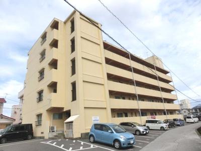 全30室5階建ての賃貸マンションです。