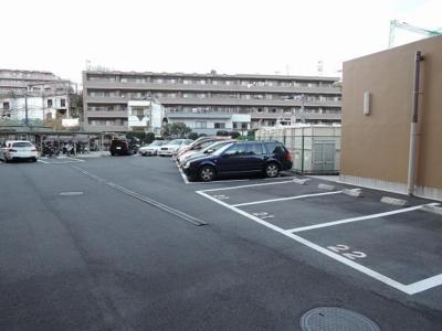 【駐車場】ライオンズマンション三ツ沢公園