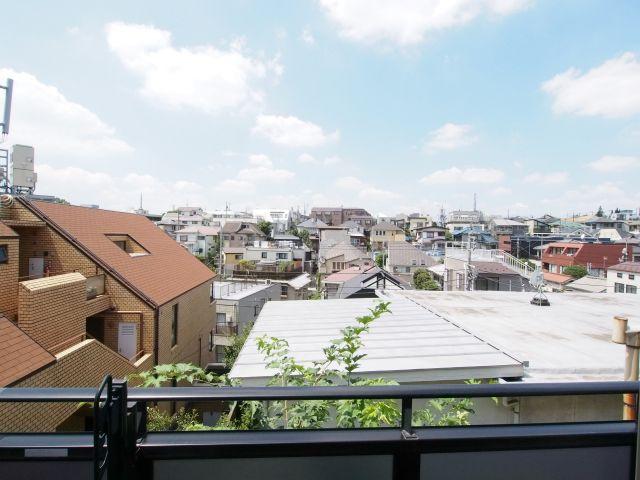 エイトハウス代々木上原 高台に位置するので、景色もご覧の通りです。