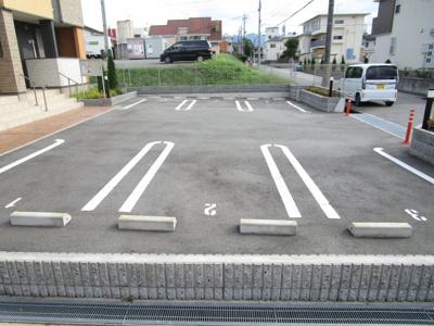【駐車場】ポワ・ブロン