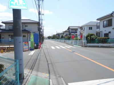 【前面道路含む現地写真】北本 本町8丁目 全1棟 1号棟 47坪