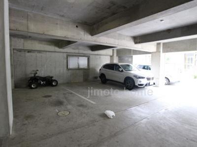 【駐車場】サンロイヤル高塚