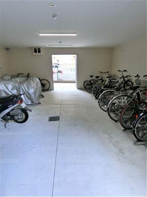 駐輪場がとっても広い!管理が行き届いているため、乱雑な駐輪などがなく快適です☆