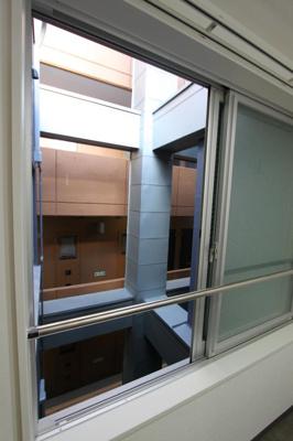 写真は、504号室を撮影したものです。