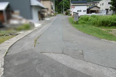 【前面道路含む現地写真】黒石市袋富山温泉権売地