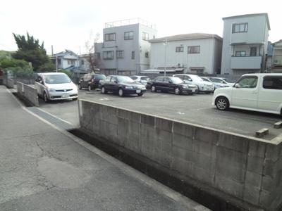 【外観】グレイス駐車場