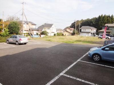 【駐車場】フローラルハイツ