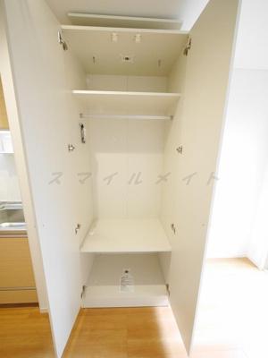 可動式の収納・棚があり整理・整頓しやすいです。