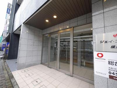 【エントランス】ジェイ・エス・ティ横浜東