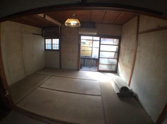 新田町 倉庫