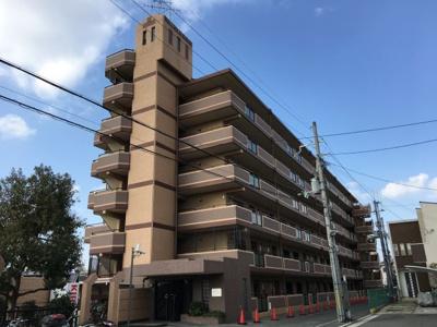 クレストツジミ 6階建ての鉄筋コンクリート造マンションです