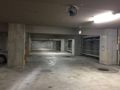 自走式の平面駐車場