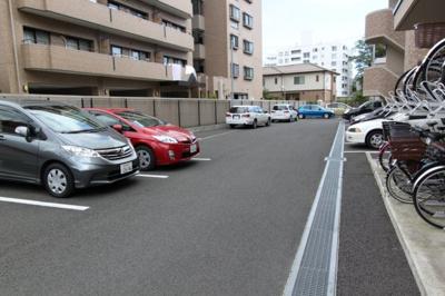 【駐車場】メゾン霊屋