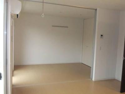スプリングフォレストAの洋室