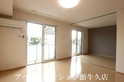 【居間・リビング】ラ・ぺジブルA